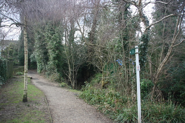 Footpath heading west from Forest Row