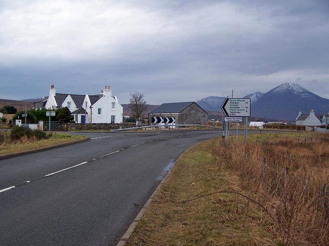 Road junction in Skulamus