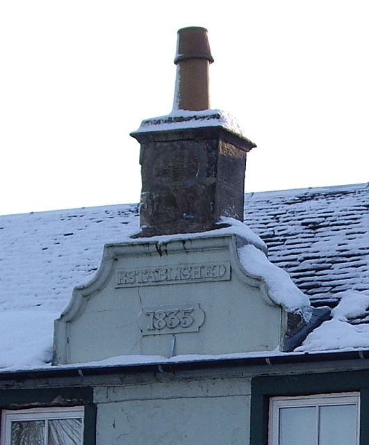 Curvilinear wallhead chimney detail