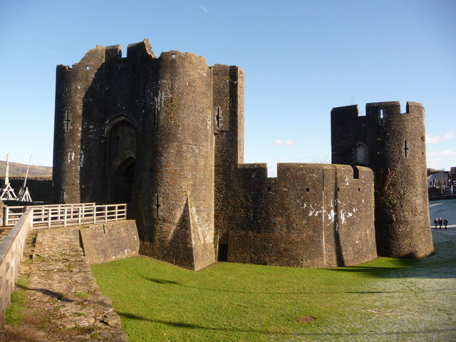Caerphilly: castle gatehouse