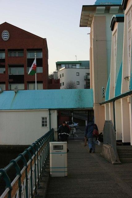 Penarth Pier, contrasting building styles