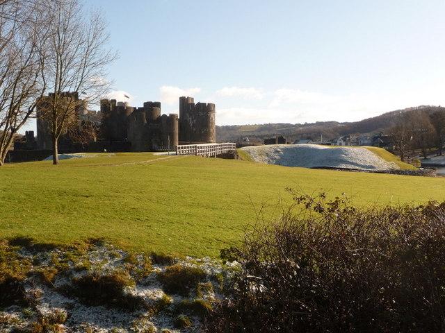 Caerphilly: footbridge to west of castle