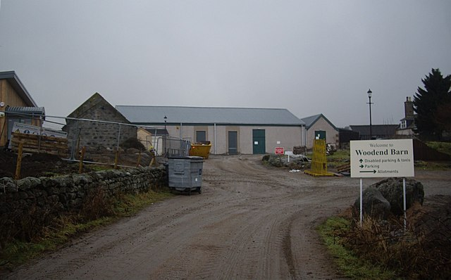 Approach to Woodend Barn