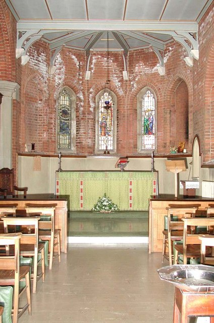 St Andrew, Alexandra Park Road, London N10 - Lady chapel