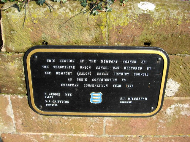 Plaque recording restoration of section of Newport Canal