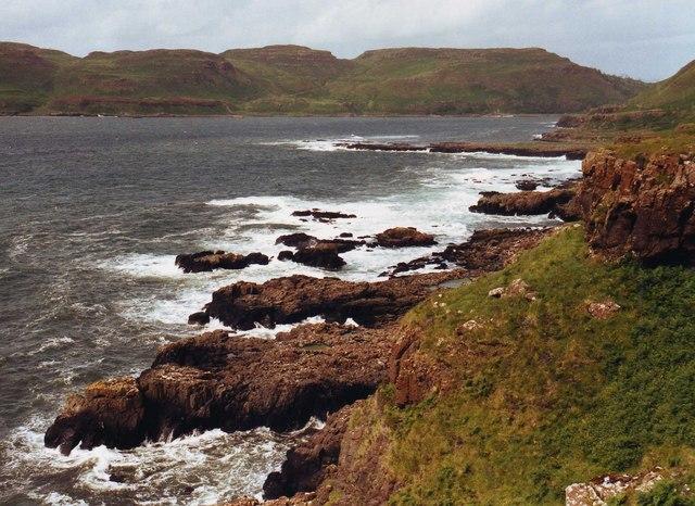 Cliffs below Creag a' Chaistell