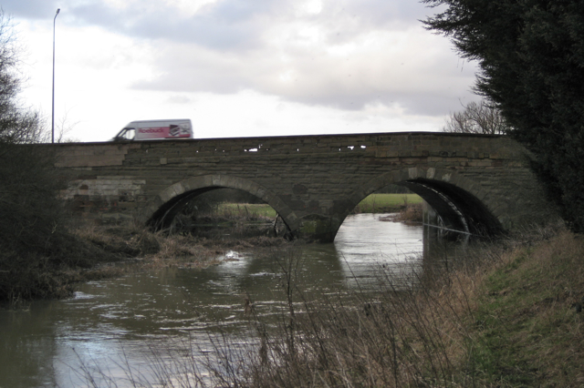 Ryton Bridge and the River Avon