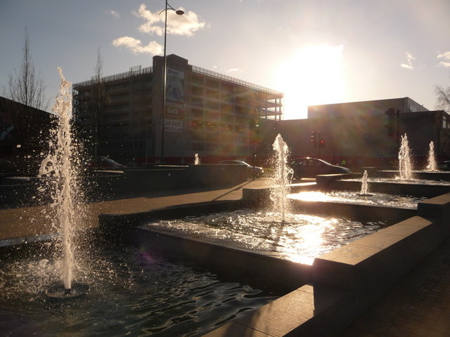 Newport: new fountains in A4042 traffic island