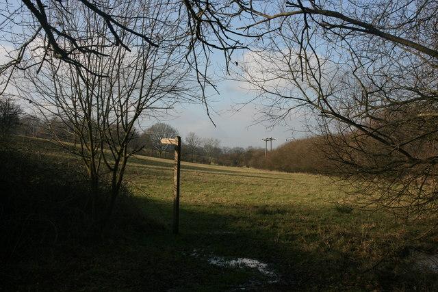 Footpath sign near Weirwood Reservoir