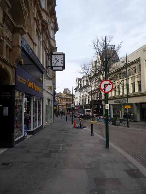 Newport: H. Samuel clock in Commercial Street