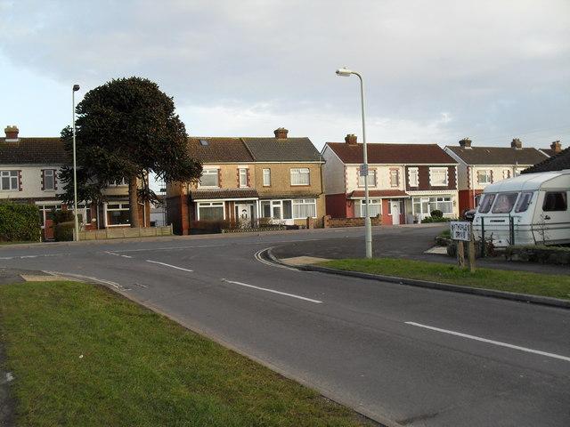 Looking from Hatherley Drive towards Cornaway Lane