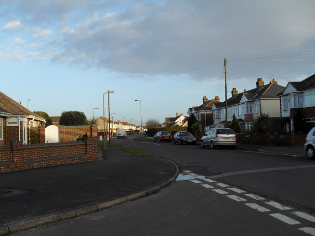 Looking from Hatherley Crescent along Cranleigh Road towards Cornaway Lane