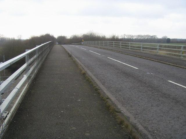 Bridge over the M40