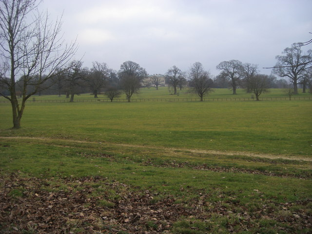 Kirtlington Park Grounds