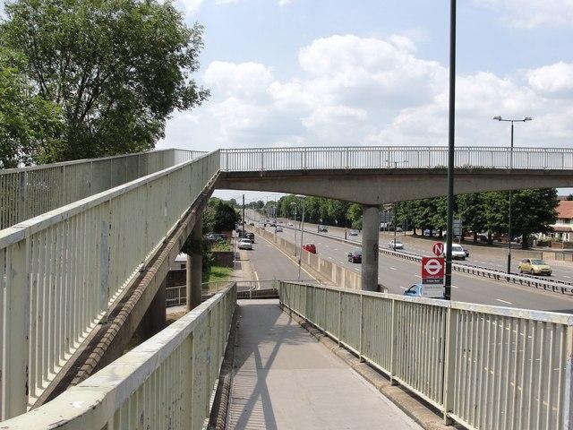 Crispen Road Footbridge