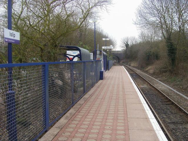 Islip Railway Station