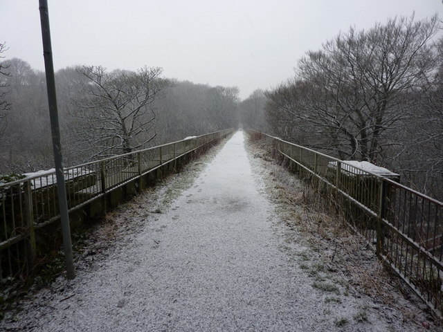 Footpath on Spodden Viaduct