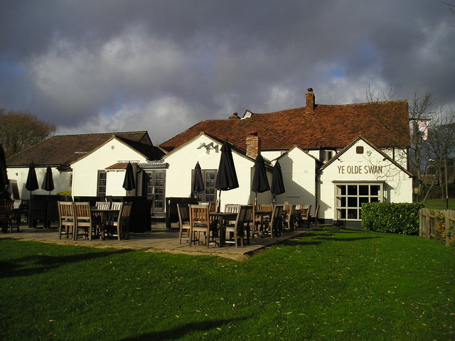 Ye Olde Swan Pub, Woughton on the Green