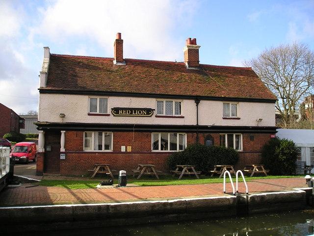 The Red Lion Pub, Fenny Stratford Lock