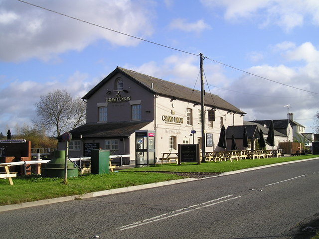 The Grand Union Pub, Stoke Hammond
