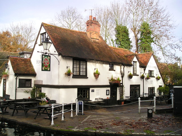 The Three Horseshoes Pub, Winkwell