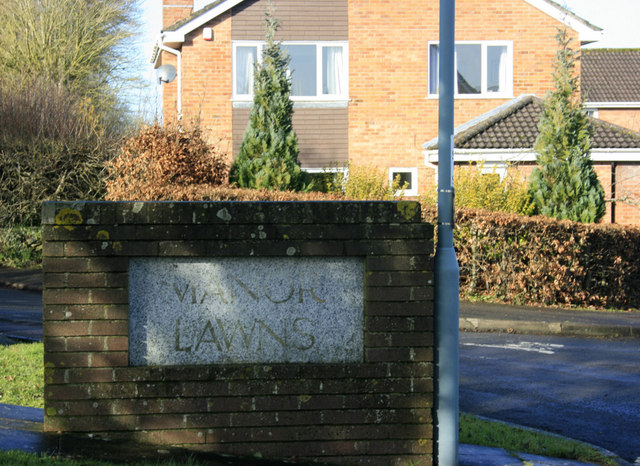 2010 : Sign for Manor Lawns , Saltford