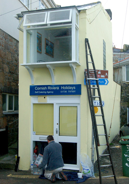 Repainting the Cornish Riviera Holidays office, St Ives