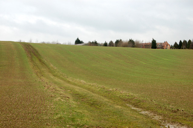 Farm track up a hill southwest of Flecknoe