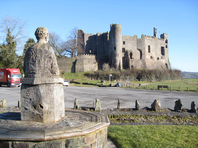 Dylan admires ....... the medieval Laugharne castle