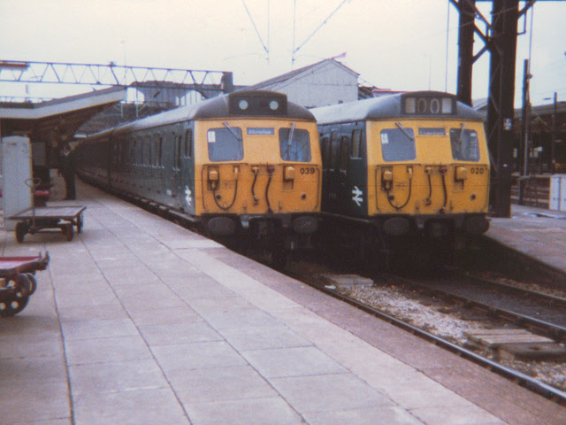 Twin electric units at Crewe
