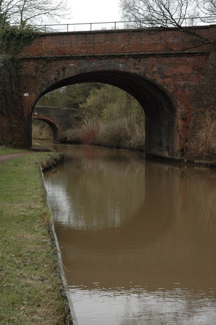 Railway bridge over the Worcester and Birmingham Canal