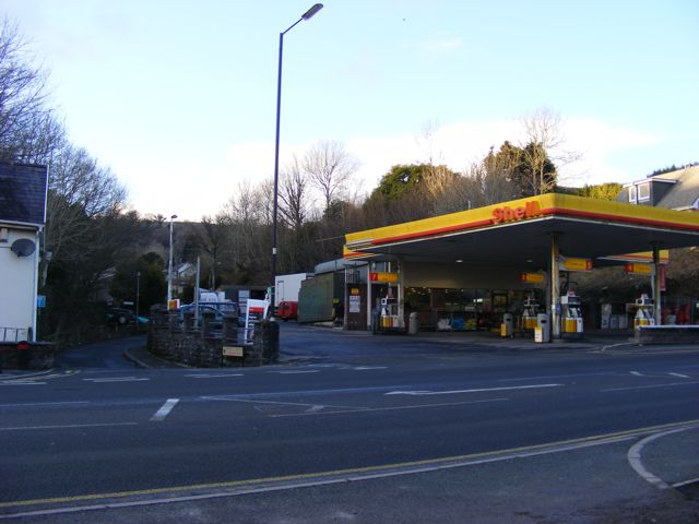 Shell garage tanerdy carmarthen alan harris cc by sa 2 0 geograph britain and ireland - Find nearest shell garage ...