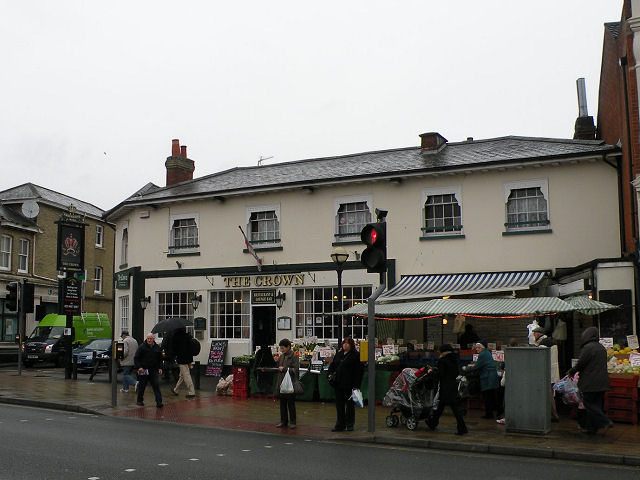 The Crown, Shirley