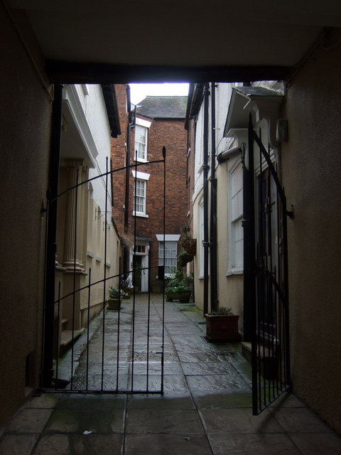 The shuts and passages of Shrewsbury: Dogpole Court