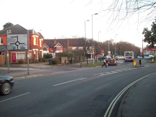 Hill Lane, approaching Winchester Road