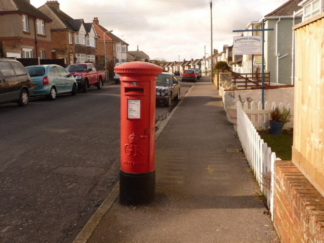 Swanage: postbox № BH19 33, Kings Road West