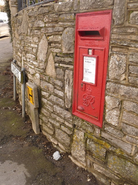 Herston: postbox № BH19 84, Day�s Road