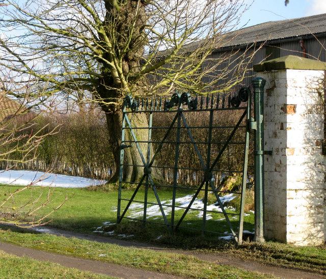Old Gate, Tows Farm