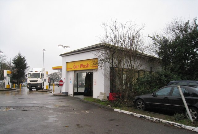 Shell Car Wash http://www.geograph.org.uk/photo/1721098
