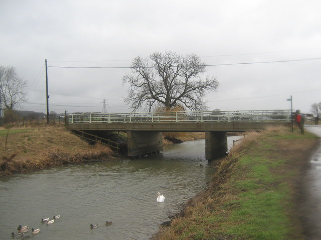 Marsh Road bridge over the Royal Military Canal (2)