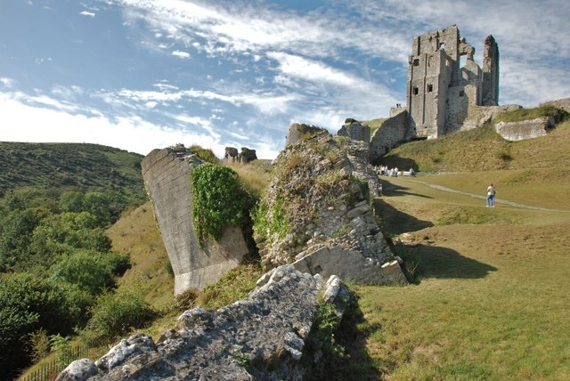 corfe castle damaged by gunpowder 169 eugene birchall ccby