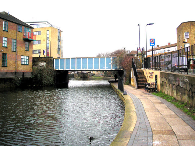 Regent's Canal:  Cat & Mutton Bridge and Acton's Lock
