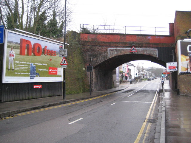 Gospel Oak: Mansfield Road railway bridge