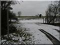 TL0860 : Footpath to Hatch End by Shaun Ferguson
