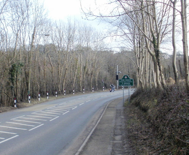 A4048 approaches The Rock