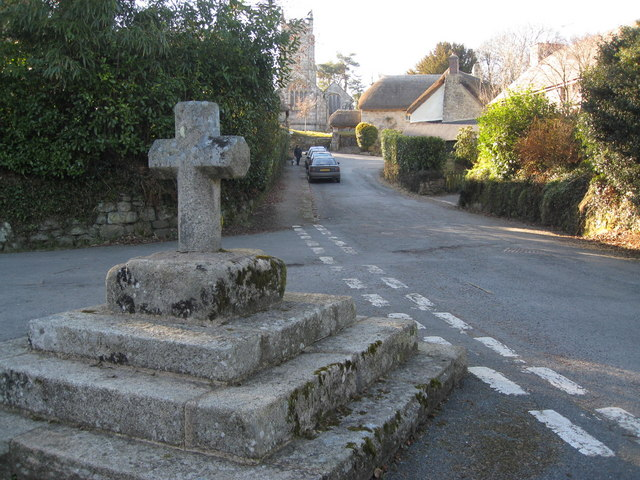 Throwleigh - The Commemorative Cross and street view