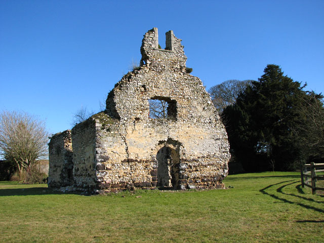 The ruined St Andrew's chapel in East Walton