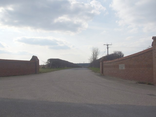 Entrance to Cockthorn Farm
