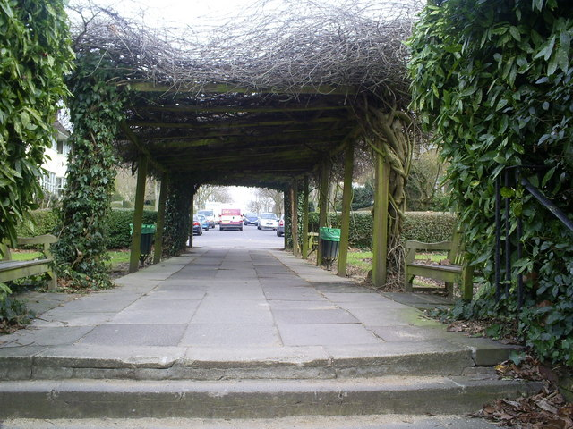 Gardens in centre of  Meadway Gate .