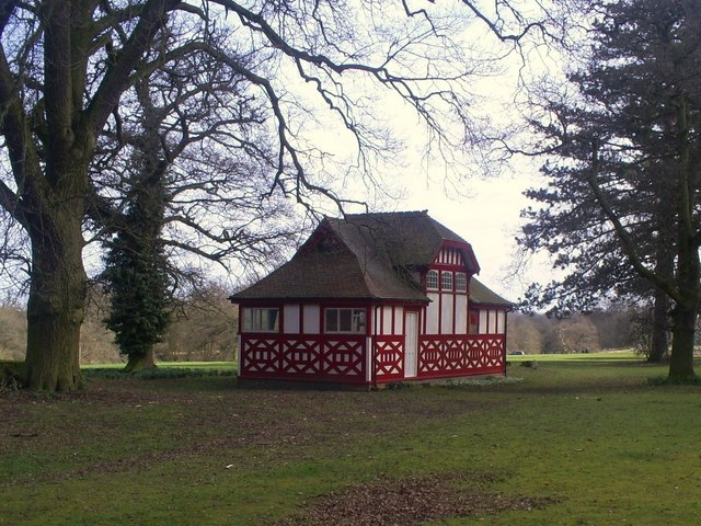 Chorleywood House - Summerhouse